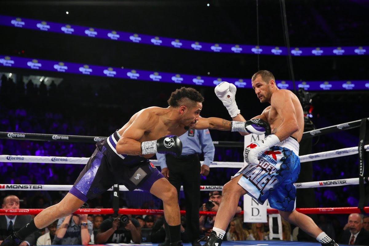 Ward le arrebata títulos a Kovalev en cerrado combate