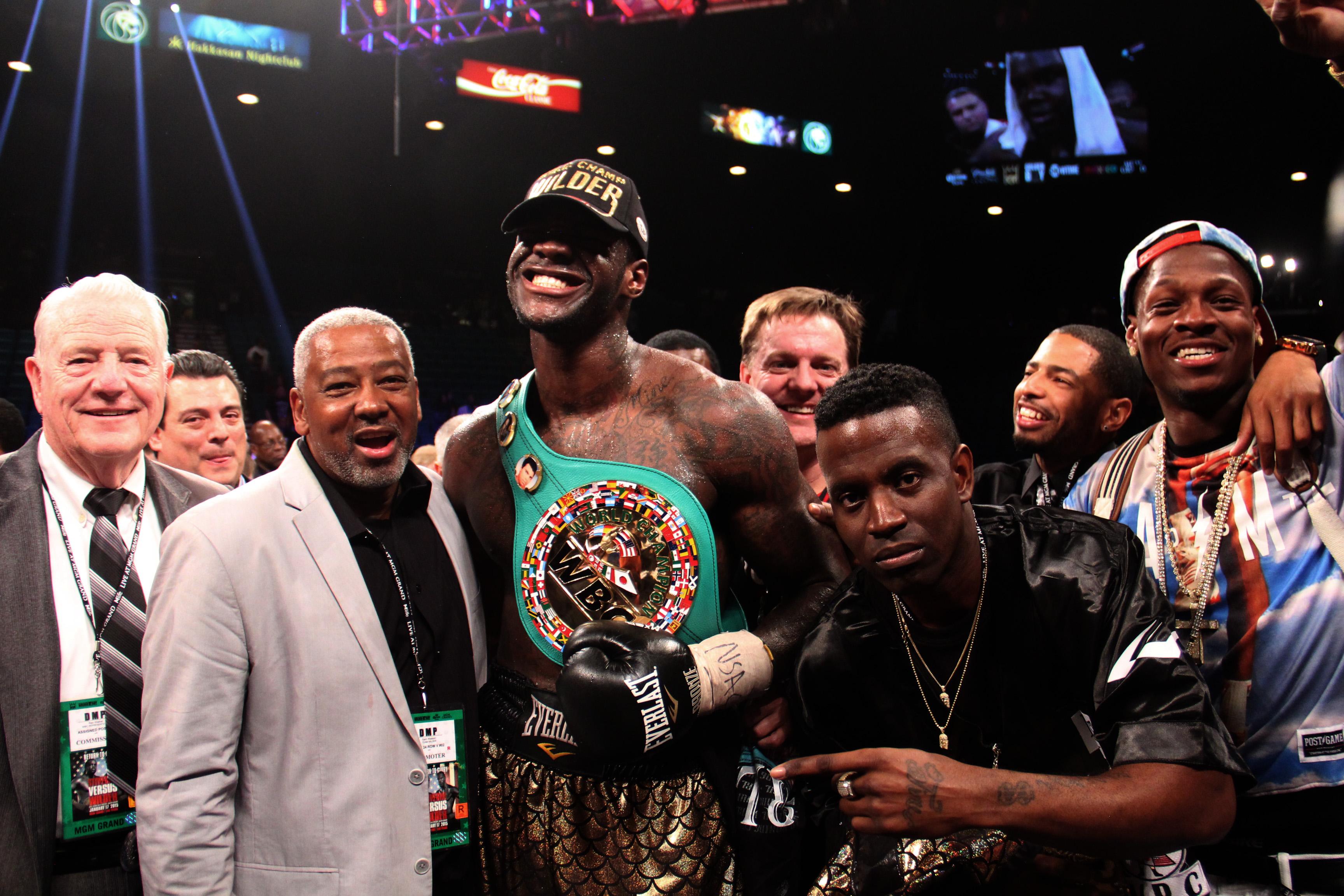 Wilder logra la quinta defensa exitosa de su campeonato mundial pesado