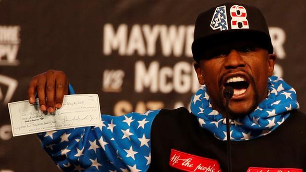 Mayweather ofreció un cheque de 100 millones de dólares para que sus fanáticos lo vayan a alentar ante McGregor