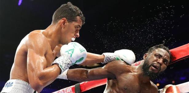 'El Explosivo' Machado mantiene su invicto en Las Vegas