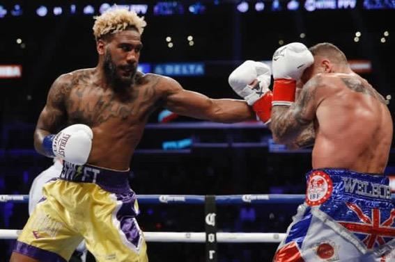 Hurd y «King Kong» Ortiz noquean a sus rivales en Los Ángeles