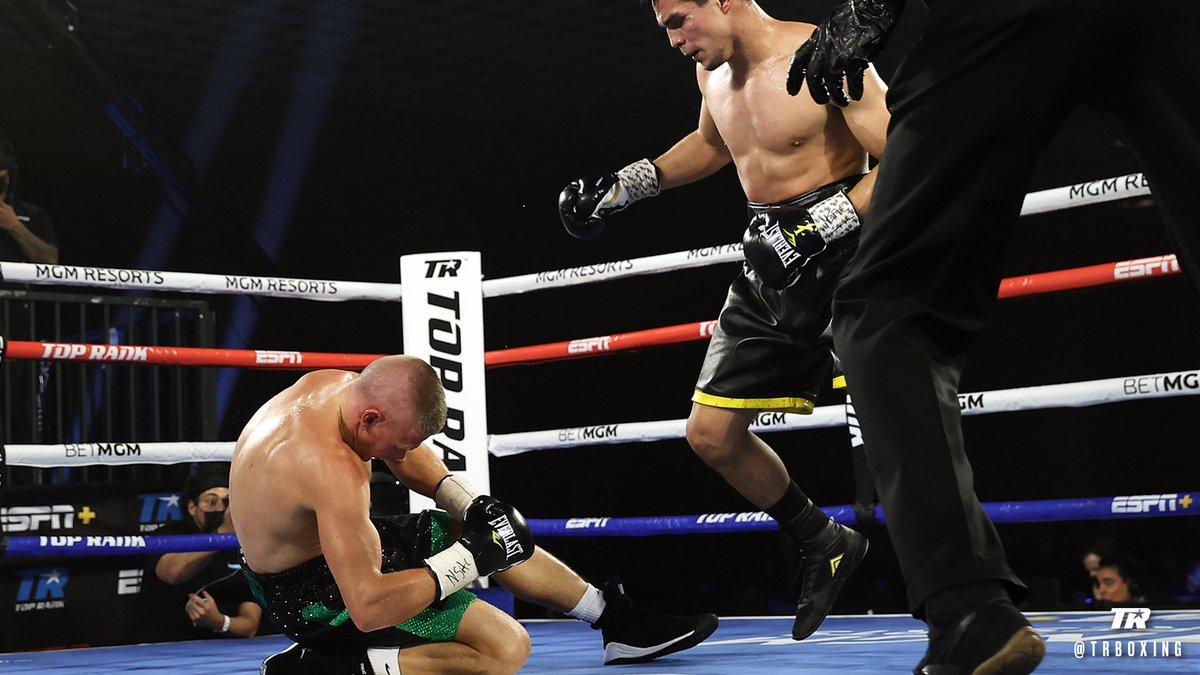 Zepeda cayó cuatro veces, derriba a Baranchyk cuatro veces, gana por nocaut brutal