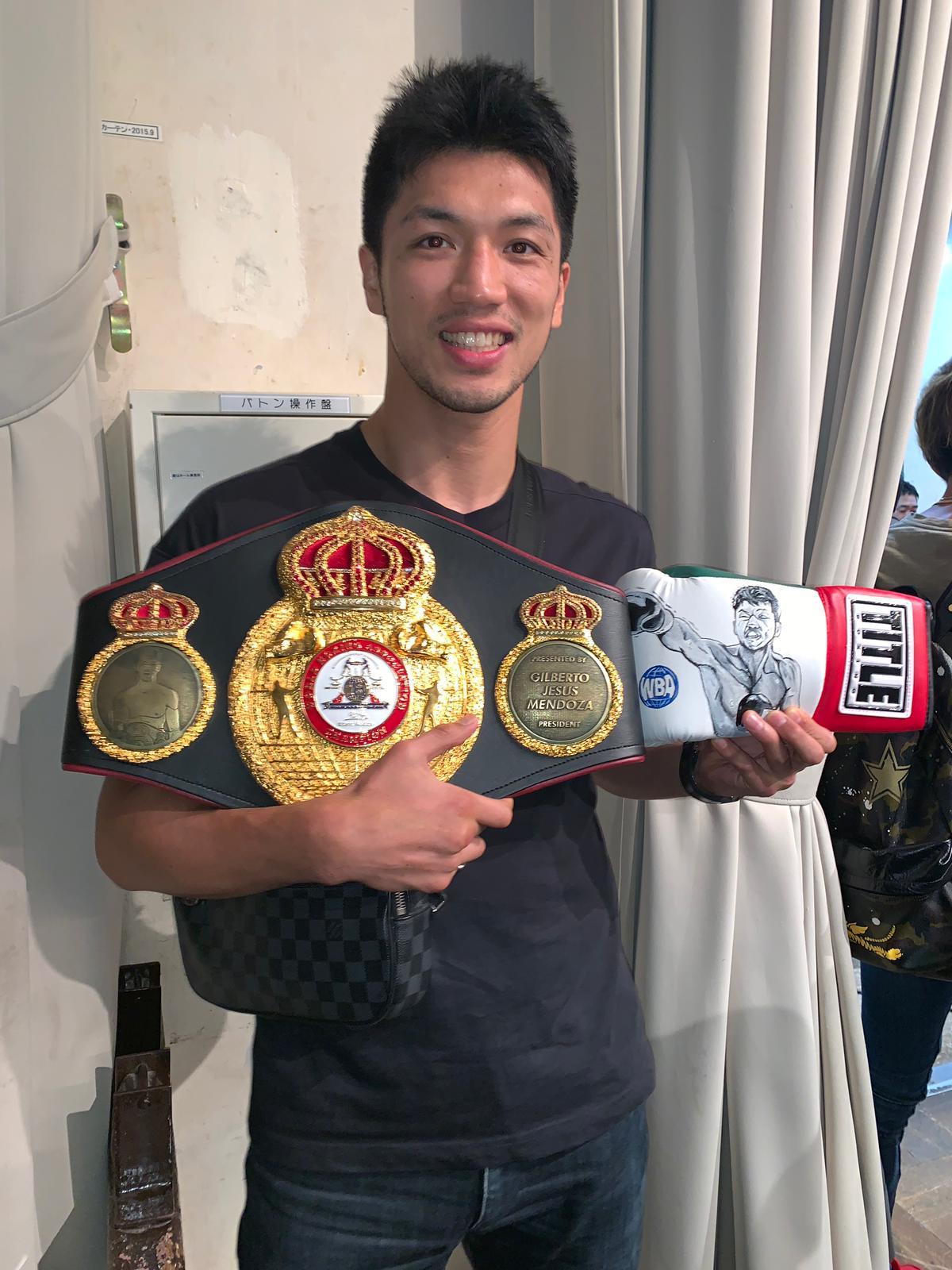 Ryota Murata «ascendido» a super campeón mediano AMB