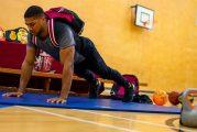 Anthony Joshua: campeón sorprende a su antigua escuela con clase de educación física